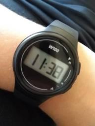 Relógio com cronômetro e a prova d'água