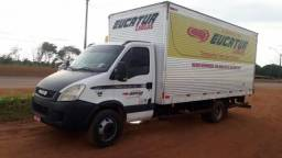 Iveco Daily 70C17 com Baú diesel