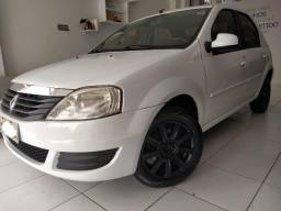 ? Renault Logan branco completo 2013