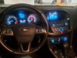 Vendo Ford Focus Sedan SE 18/18