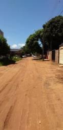 Vendo casa com dois terrenos 20x25