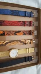 Título do anúncio: Relógio - com várias pulseiras