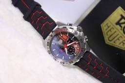 Título do anúncio: Relogio - Mer¢edes Com Detalhes Vermelho - pulseira Com Logotipo Gravado no fecho