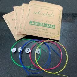 Título do anúncio: Cordas de Náilon Coloridas para Ukulele 21 / 23 / 26 Polegadas Ukulele Universal_m106
