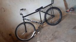 Título do anúncio: Vende-se essa bike, 450