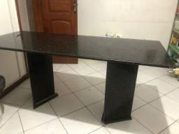 Título do anúncio: Vendo mesa de mármore negro 1,70x0,50. R$550,00