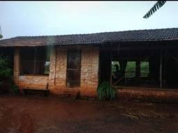 Título do anúncio: Fazendinha em Pará de Minas, à 500 m da BR 262 apenas 6 km da cidade;