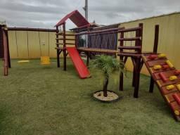Título do anúncio: Playground com escalada