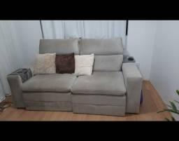 Título do anúncio: Sofá grande e bem confortável de 3 lugares
