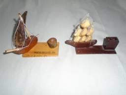 Título do anúncio: Barco Veleiro Miniatura Porta-lápis De Madeira (lote Com 2)