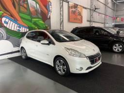Título do anúncio: Peugeot 208 Griffe 1.6 automático  2014 branco
