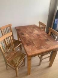 Mesa de jantar com 4 cadeiras - Madeira de Demolição licao