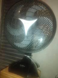 Título do anúncio: Troco ventilador turbo britania