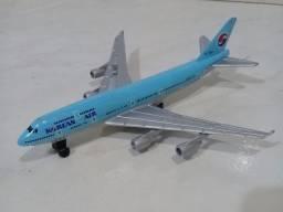 Avião em miniatura Korean Air