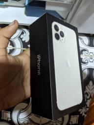 Vendo caixa do iPhone 11 pro