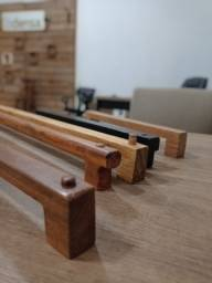 Título do anúncio: Suporte de Toalha em madeira maciça