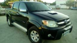 VENDO Hilux 3.0 4x4 MANUAL, CONPLETA - 2006