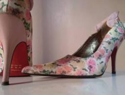 Sapato Feminino Scarpin Florado Rosa