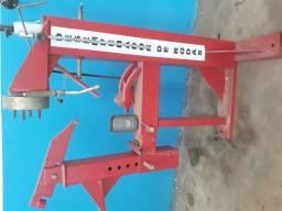 Máquina de desempenar rodas (pneus )