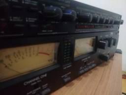 Pré amplificador MPA Art pro e compressor Alesis