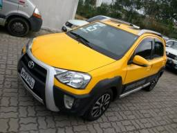 Toyota Etios Cross 1.6 flex completo. - 2016