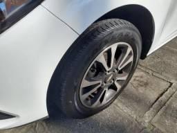 Chevrolet Onix LTZ Completo 15/15 baixa kilometragem - 2015