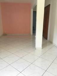 Apartamento com 2 quartos,sala ampla. Financia