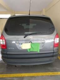 Vendo carro Zafira com 7 lugares - 2012