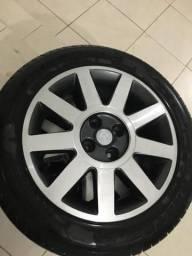 Roda aro 16 pneus NOVOS
