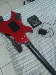 Guitarra Warlock em ótimo cordas novas estado mais pedaleira com fonte boa também
