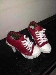 Sneakers salto alto tênis botinha