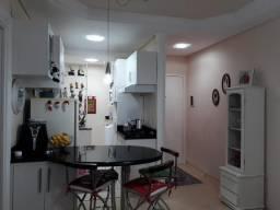 Apartamento ótimo custo-benefício, semi-mobiliado