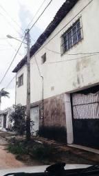 Alugo casa na Raposa.