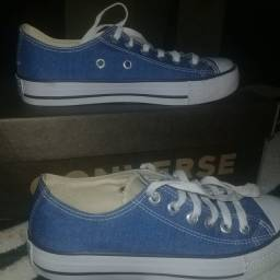 Tenis azul