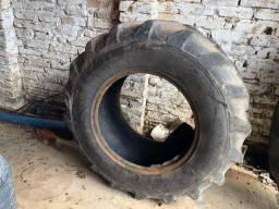 Título do anúncio: 2 pneus aro 24