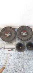 """2 auto falantes bicho papão 12"""" , 2 cornetas D250X  e um módulo taramps."""