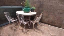 Título do anúncio: Mesa com pedra tipo granito ou mármore