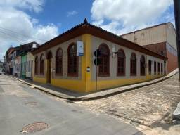 Vendo casa no Centro na Rua do Ribeirão a 50m da Avenida Beira Mar!!