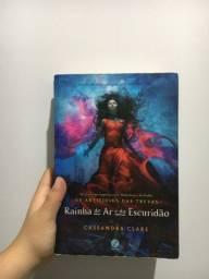 Título do anúncio: Livro Rainha do ar e da escuridão - Cassandra Clare