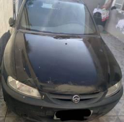 Vendo Celta 2001.