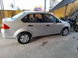 Título do anúncio: Vendo fiesta/sedan 2005 completo