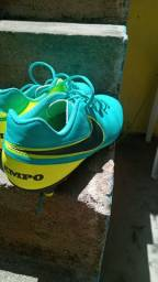 Título do anúncio: OPORTUNIDADE!!  Chuteira Campo Nike Tiempo Genio 2 Leather FG - Verde água<br><br>