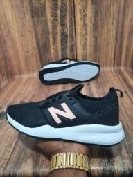 Título do anúncio: Tênis New Balance 247 Preto/Branco/Nude