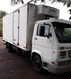 Título do anúncio: Caminhão Worker 9-150E VW Baú Refrigarado 2010 Motor Cummins