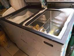 Título do anúncio: Freezer 305 litros em estado de novo pouco uso