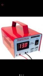 Carregador de baterias veicular