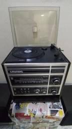 Rádio /vitrola Grundig Compact Studio 200