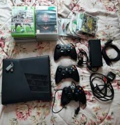 Título do anúncio: Xbox 360 desbloqueado  aceito proposta