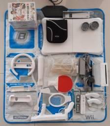 Wii completo com acessórios e jogos USADO