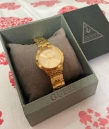 Título do anúncio: Relógio dourado GUESS original